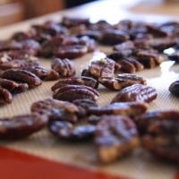 פקאנים מסוכרים בסיר לבישול איטי