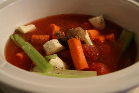 מרק עגבניות בסיר לבישול איטי - מצרכים