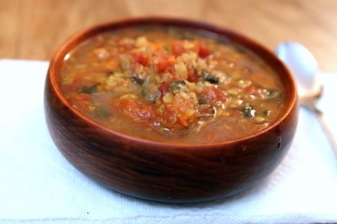 מרק עדשים ומנגולד בסיר לבישול איטי