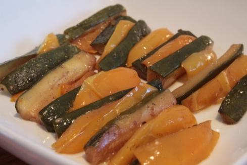 ירקות קלויים בסיר לבישול איטי