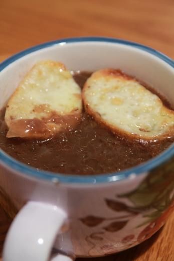 מרק בצל בסיר לבישול איטי