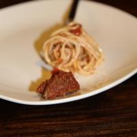 קוביות בקר ברוטב עגבניות בסיר לבישול איטי